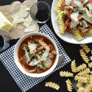 slow cooker chicken and mushroom ragu